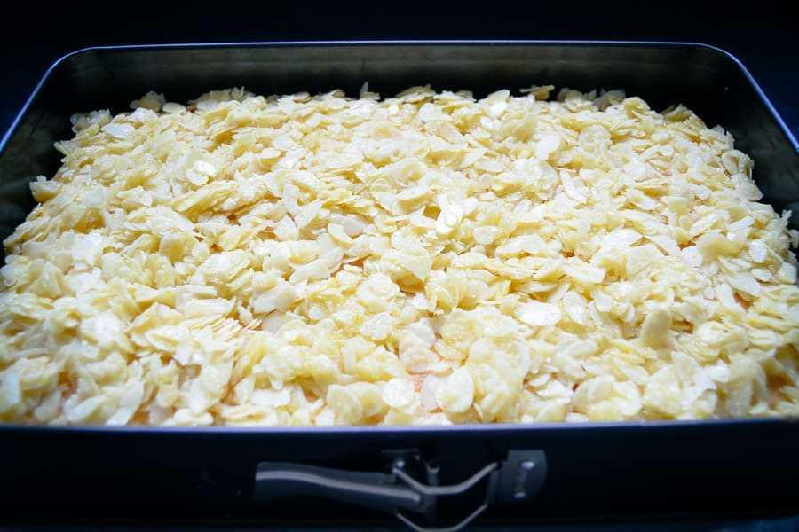 Blechkuchen mit Mandeln