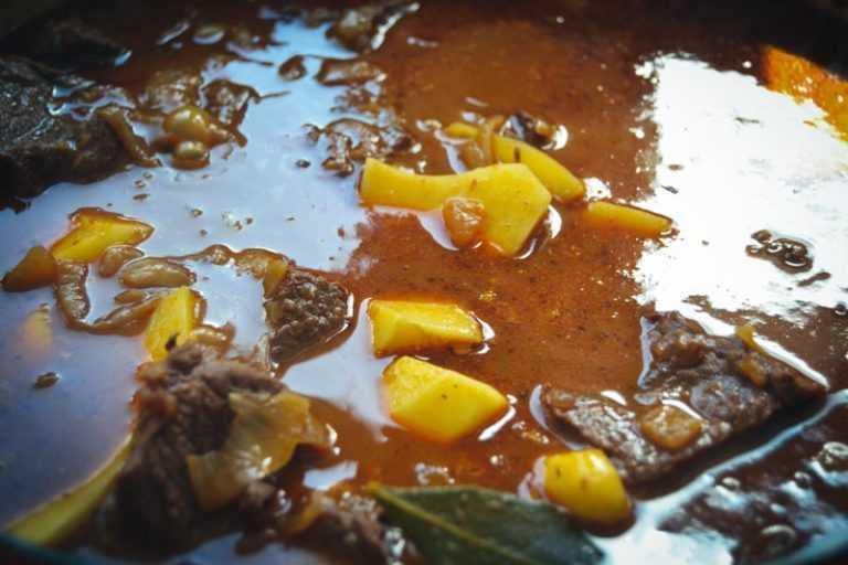 Ungarisches gulasch rezept kochen aus liebe for Ungarisches paprikapulver