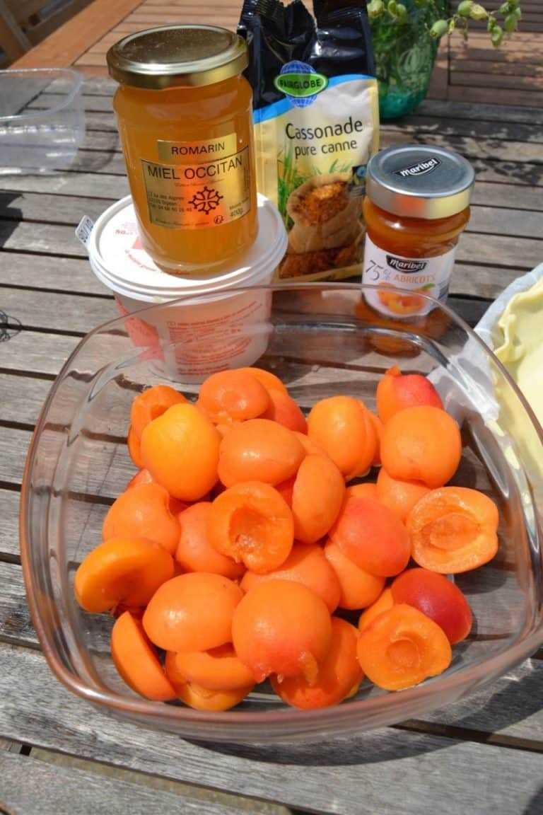 Aprikosen, Creme Fraiche, Eier, Honig, Zucker