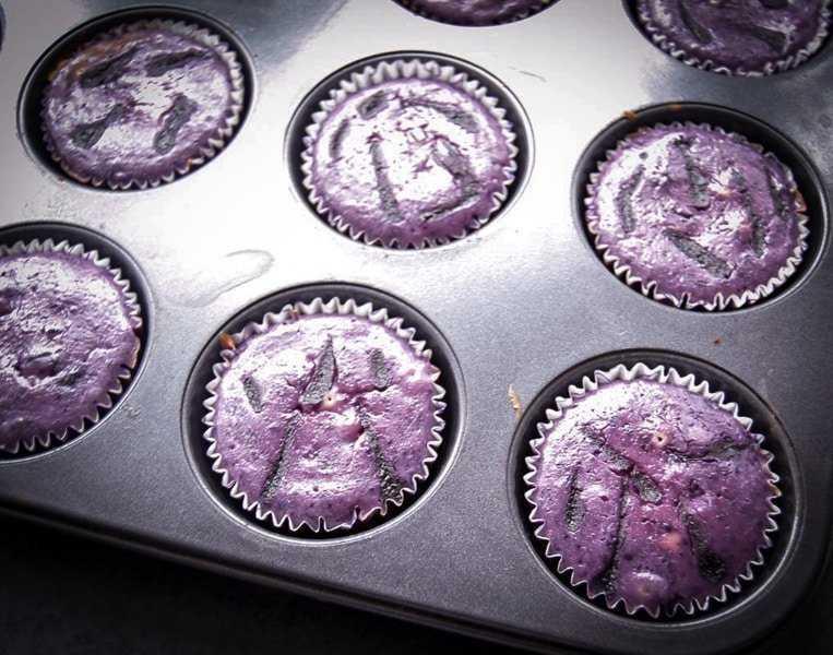 Käsekuchen Muffins Rezept mit Blaubeeren