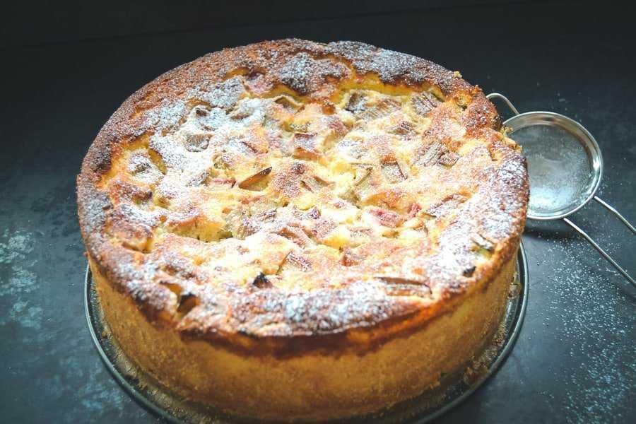 Rhabarberkuchen Rezept mit Ricotta
