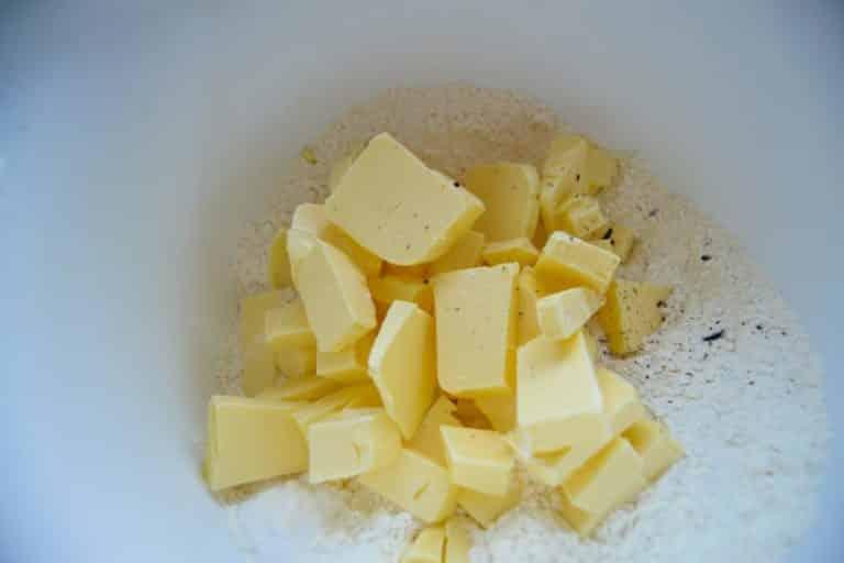 Zucker Butter und Mehl