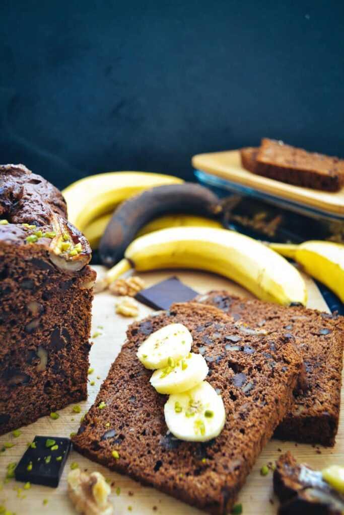 Bananenbrot Rezept mit Schokolade und Walnüssen