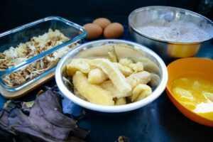 Bananen, Eier, Nüsse, Schokolade, Mehl und Butter