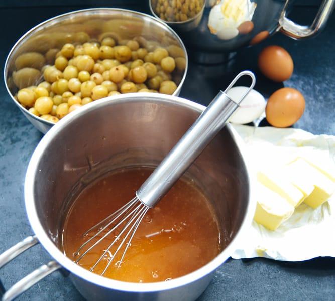 Stachelbeersaft, Beeren, Eier und Butter