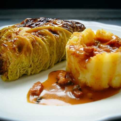 Kohlrouladen Rezept Omas Wirsingrouladen mit Kartoffelpüree