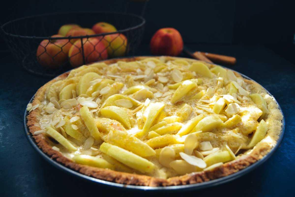 Apfelkuchen mit Crème fraîche