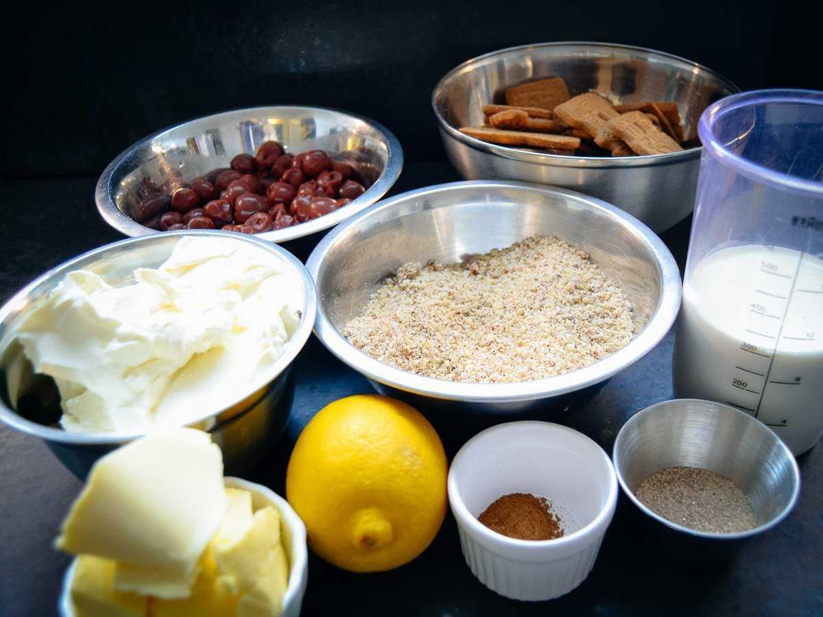 Zutaten für Frischkäse Torte, Kirschen, Haselnüsse, Spekulatius