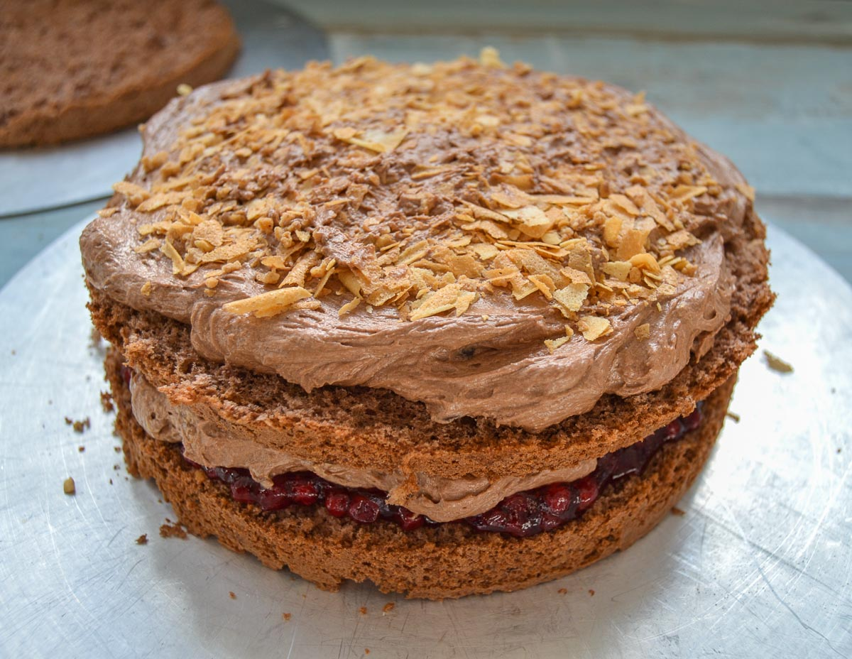 Buttercreme Torte mit Nougat und Schokolade
