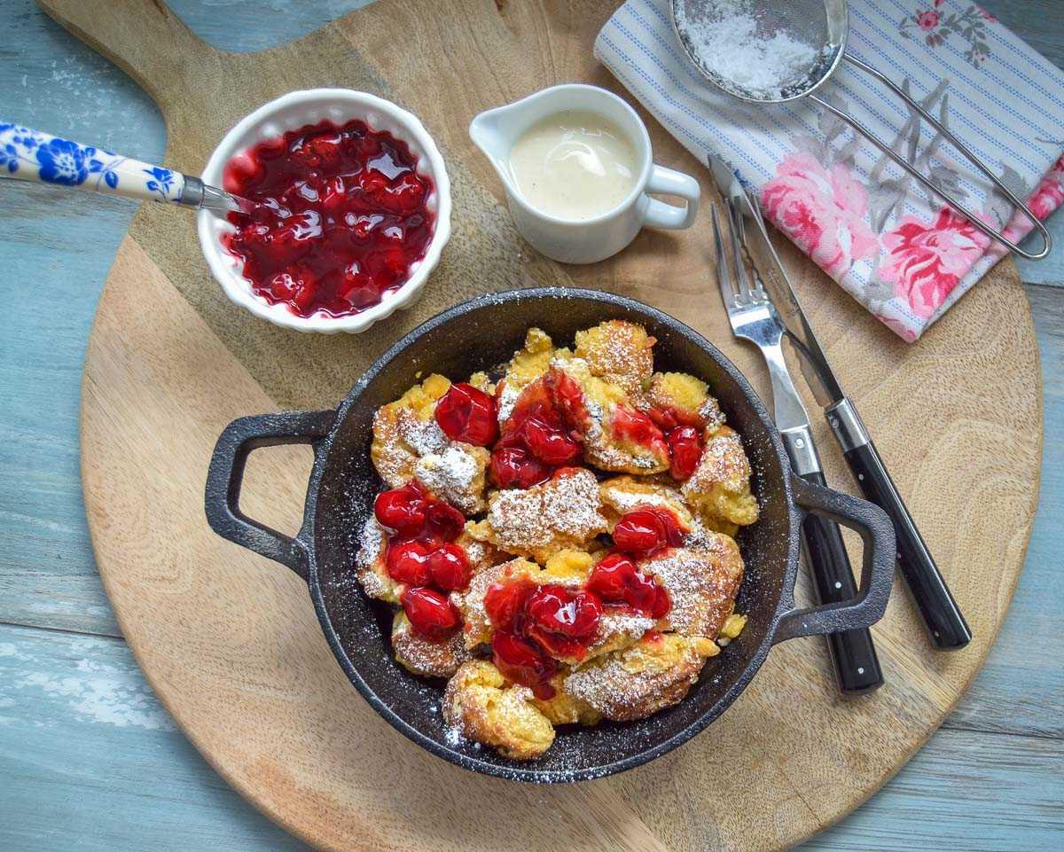 Kaiserschmarrn Rezept einfach klassisch mit Kirschkompott