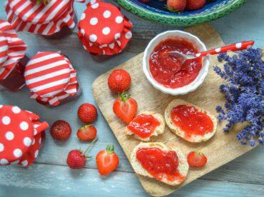 Fruchtige Erdbeermarmelade kochen