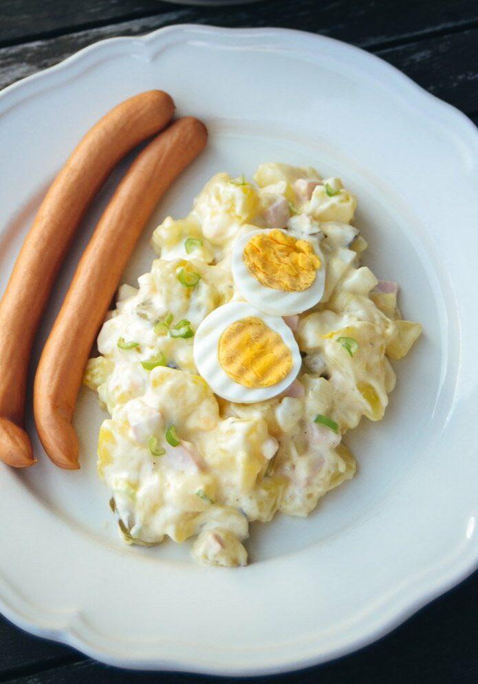 Rezept Kartoffelsalat mit Mayonnaise, Kartoffel, Eier, Senf und Würstchen